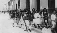 Chicas Procesion 1960ca
